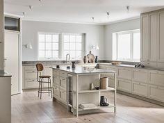 With roots in Scandinavian design we have created Nordiska Kök. Kitchen Interior, Kitchen Decor, Nordic Kitchen, Kitchen Post, Farmhouse Kitchen Cabinets, Kitchen Island, Best Kitchen Designs, Minimalist Kitchen, Küchen Design