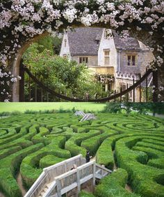 1.75-mile long maze with 6 bridges. I don't know why but Hedge mazes give me so much artistic inspiration.