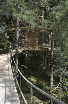 hanging bridge to the air castle