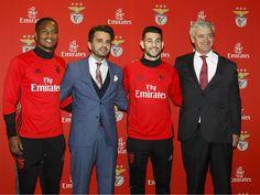 """Sport Lisboa e Benfica e Emirates estreitam relações. Apresentado esta quinta-feira, no Aeroporto Humberto Delgado – Lisboa – o novo BOEING 777-300er da companhia aérea que esta época tem uma imagem renovada.""""Extremamente importante na nossa expansão internacional""""."""