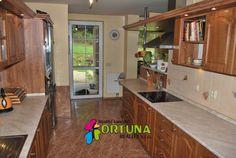 Pěkná moderní kuchyně v rodinném domě u Chebu