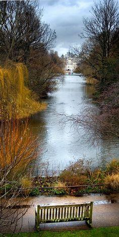 St James's Park - the oldest Royal Park in London, England