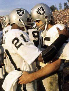 Cliff Branch and Fred Biletnikoff of the Oakland Raiders, 1977.