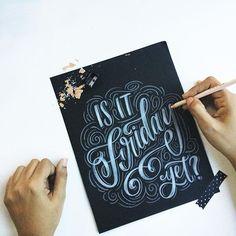 Is it Friday yet? #Chalklettering #chalk #goodtype #handlettering #letteringdaily #letteringbymaia #magicmaia ✨✏️Recuerda que el #chalkart workshop viene este sábado a @rie.com.do acompáñame y aprende la magia del #lettering con #tiza ✨