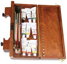 The Sienna Plein Air Pochade Box is essentially an easel and a palette in one, with adjustable canvas holders that hold canvas panels and stretched canvases equally well. Plein Air Easel, Oil Painting Basics, Wc Set, Pochade Box, Sketch Box, Art Supplies Storage, Art Easel, Bookbinding, Art Studios