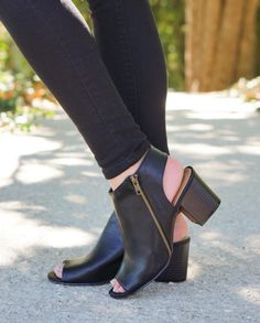 The cutest black peep toes EVER! Shop the 'Keep It Up' bootie online now! #newarrivals #shopPD
