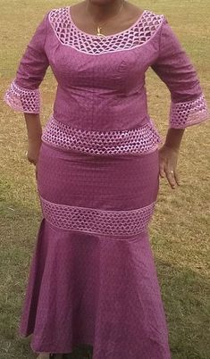 Love this and wanna make it or you're a fashion designer looking for good tailors to work with? Call or whatspp Gazzy Fashion Consults (calls African Fashion Ankara, Latest African Fashion Dresses, African Print Fashion, Africa Fashion, Long African Dresses, African Bridesmaid Dresses, African Print Dresses, Kitenge, Shweshwe Dresses