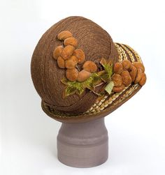 Clothing at Vintage Textile: Flapper hat 1920s Outfits, Vintage Outfits, Vintage Fashion, Vintage Hats, Caroline Reboux, Derby, 1920s Hats, Crop Hair, Flapper Hat