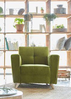 fauteuil honor velours vert bouteille et accoudoirs bois el gance et design la fran aise. Black Bedroom Furniture Sets. Home Design Ideas