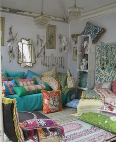 Find ways to decorate your living room with a range of interior design ideas … - Boho Living Room Decor Bohemian Interior, Bohemian Decor, Bohemian Pillows, Boho Living Room, Living Room Decor, Bohemian Living, Boho Room, Dining Room, Deco Boheme Chic