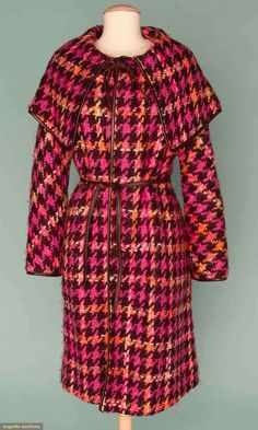 Bonnie Cashin wool coat, 1960s. I would willingly traffic in people in order to afford this coat. Lol.