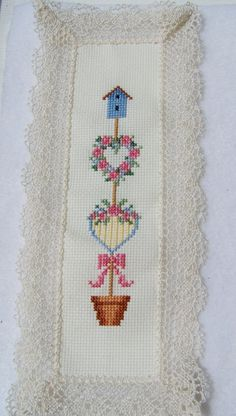 SALE Cross Stitch Bookmark Floral Topiary Heart por WitsEndDesign