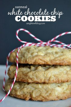 Light and fluffy white chocolate chip cookies with a hint of delicious oatmeal. You'll make these cookies over and over again! Cookie Desserts, Just Desserts, Cookie Recipes, Delicious Desserts, Dessert Recipes, Dinner Recipes, White Chocolate Chip Cookies, Chocolate Chip Oatmeal, Oatmeal Cookies