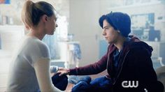 20 Reasons Betty Cooper And Jughead Jones Are Endgame On Riverdale Memes Riverdale, Bughead Riverdale, Riverdale Archie, Riverdale Funny, Riverdale Netflix, Betty Cooper, Jughead And Betty Kiss, Riverdale Betty And Jughead, Cole Sprouse Jughead