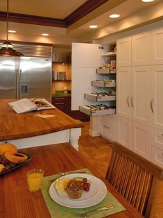 VERy nice! This site has the best ideas for all the rooms :-- )  Kitchen Design, Pictures, Remodel, Decor and Ideas - page 4