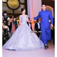 Aww Prince and Yuvika looking awsm 😍🔥 Bride Reception Dresses, Wedding Reception Outfit, Bridal Dresses, Wedding Photoshoot, Prom Gowns, Evening Gowns, Indian Wedding Gowns, Indian Bridal, Indian Dresses