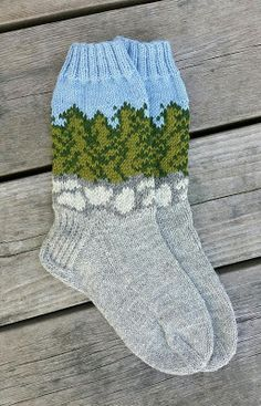 He taught: In the field of rocks Knitted Mittens Pattern, Knit Mittens, Knitting Socks, Knitting Patterns, Wool Socks, Knitting Projects, Knitwear, Knit Crochet, Slippers
