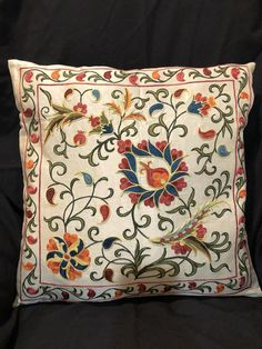 Suzani pillow cover from Uzbekistan. Hand embroidered with natural dyes. Anatolian and Central Asian patterns. Great decorating style, and can also be mixed wit Diy Pillows, Decorative Pillows, Cushions, Cushion Cover Designs, Diy Rustic Decor, Floral Rug, Fabric Painting, Decor Styles, Embroidery Designs