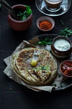 Comida India, Fun Easy Recipes, Unique Recipes, Paratha Recipes, Breakfast Dishes, Dinner Dishes, Desi Food, Indian Street Food, Food Combining