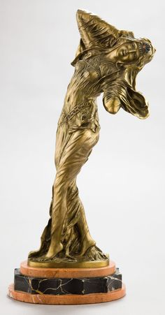 A FRENCH PATINATED BRONZE SCULPTURE BY DEMETRE CHIPARUS (ROMANIAN,1886-1947): THE FAVORITE Circa 1920