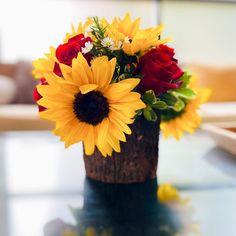 🌻 #caterpillarcare, #caterpillars, #butterflies, #sunflowers, #roses, #flowers, #bouquet, #saturdaysatwork. Kids Daycare, Child Day, Caterpillar, Bouquet, Butterfly, Vase, Table Decorations, Flowers, Home Decor
