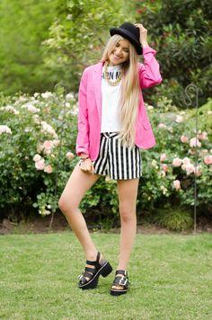 ★ LOOK OF THE DAY 08-11-2013 ★  · Blazer Rosa  · Remera Fashion Muse  · Short Rayado  · Ventura Sandals   -------------------------------------------------------------  · Pink Blazer  · Fashion Muse Tee  · Striped Short  · Black Ventura Sandals