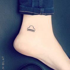 Tatuaje pequeño Valencia Valencia, Small Tattoos, Wallpapers, How To Make, Small Tattoo, Hair Combs, Tatuajes, Petite Tattoos, Little Tattoos