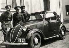 Fiat 500 Topolino. My grandma used to drive one.