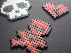 Skull+And+Broken+Heart+Hama+Pendants+(Perler+Beads)+#howto+#tutorial