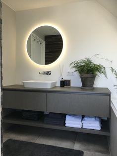 Badkamermeubel. Ontwerp en realisatie www.meubelenmaatwerk.nl Bathroom Lighting, Mirror, Furniture, Home Decor, Bathroom Light Fittings, Bathroom Vanity Lighting, Decoration Home, Room Decor, Mirrors