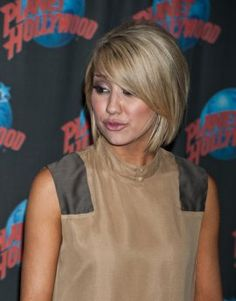 short haircuts, chelsea kane, times square, long hair, new haircuts, short styles, bang, bob haircuts, new hairstyles