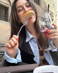 "@ladykallisti on Instagram: ""VERY Happy in Bologna 🇮🇹 #moodoftheday #takemeback #italy #bologna #bologna_city #bolognafood #bolognafoodporn #foodie #travelgram…"" Bologna Food, Food Fantasy, Italy, Happy, Instagram, Italia, Ser Feliz, Being Happy"