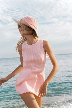 "Specializing in the highest quality hats, Lack of Color understands the style statement that a hat can make. See their ""Bloom"" collection. Pink Beach, Pink Summer, Summer Colors, Summer Blues, Thing 1, Street Look, Outfits With Hats, Pink Fashion, Your Style"