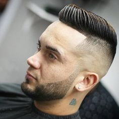 There are many fashionable ways to wear a comb over fade haircut. Because a comb over is a versatile, trendy hairstyle, it is perfect for all hair types. Mid Fade Comb Over, Comb Over Fade Haircut, Short Comb Over, Low Fade Haircut, Mens Hairstyles Pompadour, Men's Hairstyles, Pompadour Hair, Wedding Hairstyles, Medium Hairstyles