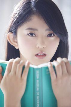 欅坂46 駆け上るまで待てない! 鈴本美愉 | HUSTLE PRESS OFFICIAL WEB SITE Aichi, Young People, Asian Fashion, Pretty Face, Asian Beauty, Pretty Girls, Lips, Read Books, Yahoo