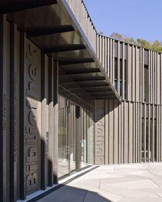Library, Game Library & Municipality Administration in Spiez / bauzeit architekten