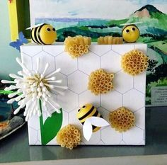 Christmas Crafts To Make And Sell, Bee Crafts For Kids, Summer Crafts, Preschool Crafts, Easter Crafts, Projects For Kids, Diy For Kids, Arts And Crafts, Bee Activities