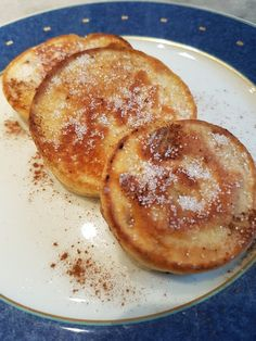 Battered Apple Cakes Apfelküchle, a very nice recipe from the fruit category. Dutch Recipes, Easy Cake Recipes, Baking Recipes, Camping Desserts, Camping Snacks, Camping Ideas, German Baking, Chocolate Cake Recipe Easy, Apple Fritters