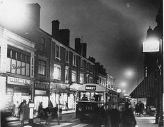 Stoke on Trent, Hanley Christmas shopping. Old photo's. Old Pottery, Stoke City, Stoke On Trent, Lost City, Newcastle, Old Photos, Past, Old Things, Street View