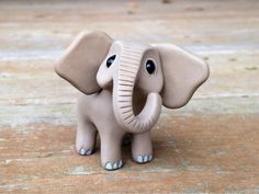 Elephant: Handmade miniature polymer clay animal por AnimalitoClay