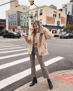 Likes, 144 Kommentare - Viktoria Dahlberg (Viktoria Guzel-Radkevich. Fall Winter Outfits, Autumn Winter Fashion, Spring Outfits, Mode Outfits, Fashion Outfits, Cozy Fashion, Minimal Fashion, Modern Fashion, Looks Style