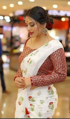 Indian Desi beauties Indian beautiful girl – Indian Desi Beauty – Indian Beautiful Girls and Ladies Beautiful Girl Indian, Most Beautiful Indian Actress, Indian Actress Hot Pics, Beautiful Saree, Indian Actresses, Beauty Full Girl, Beauty Women, Real Beauty, Femmes Les Plus Sexy