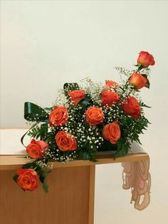 Find out about The Different Types Of Roses – Ideas For Great Gardens Altar Flowers, Church Flowers, Funeral Flowers, Table Flowers, Flower Vases, Valentine Flower Arrangements, Church Flower Arrangements, Beautiful Flower Arrangements, Beautiful Flowers