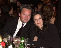 Pin for Later: 28 Award Show Moments That Will Make You Miss the Cast of Friends Matthew and Courteney gave us strong Chandler and Monica nostalgia in this photo from the Golden Globes in 2002.