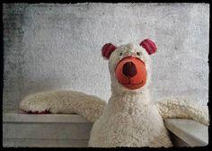 my Comfy icebear !! von Henri Banks auf DaWanda.com