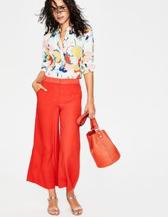 We'll keep this short: our women's cropped pants are ideal for the office, the gym or for a sophisticated dinner out. Shop your next pair now at Boden. Womens Clearance, Bold Prints, Cropped Pants, Summer Outfits, Pants For Women, Capri Pants, My Style, Fabric, Shopping