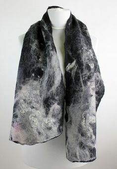 filcowany szal black&white