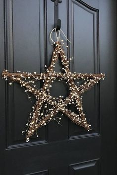 Weihnachtsdeko 5 Steps to Great Christmas Front Door Decorations. Find the 5 steps here Front Door Christmas Decorations, Christmas Front Doors, Christmas Porch, New Years Decorations, Christmas Star, Front Door Decor, Christmas Wishes, Christmas Wreaths, Christmas Crafts
