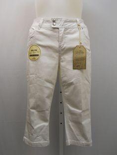 "PLUS SIZE 18W Womens White Denim Capri Jeans ROYALTY Straight Legs Inseam 19"" #Royalty #CapriCropped"