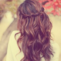 Wedding hair-Love the waves and braid